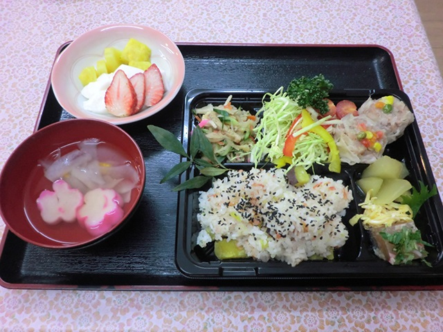 昼食(ふきのとう)